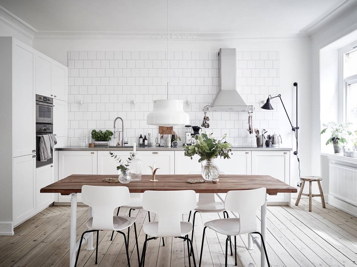 scandinavian_wooden-floor-white-brick-scandinavian-kitchen.jpg