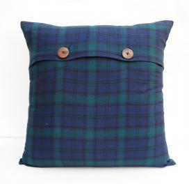 plaid-cushion