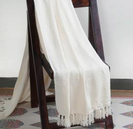off-white-acrylic-woven-boucle-throw-single