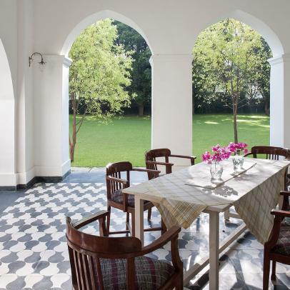 Discern Travels: The Kathiwada Palace