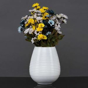 white-lines - vases-and-planters