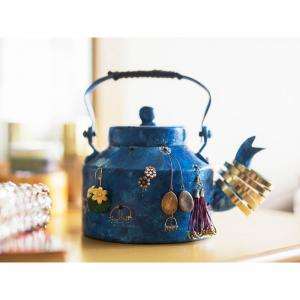 pot-of-bling-blue - desk-decor