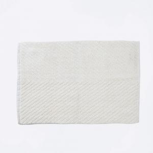 off-white-cotton-woven-giri-bath-mat - bath-accessories