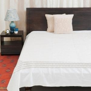 natural-cotton-woven-deepali-bed-cover-single - bed-linen