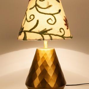 metal-suvarna-bedside-light - table-lamps