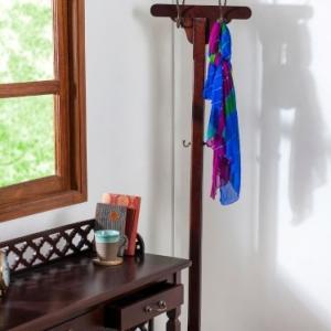 mango-wood-oliver-coat-hanger - wall-accents