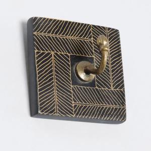 metal-painted-single-hook-peg - wall-accents