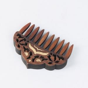 teak-wood-cutwork-comb - gifts